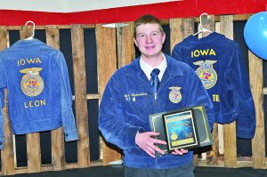 FFA Holds Annual Parent-Member Banquet; Awards Given